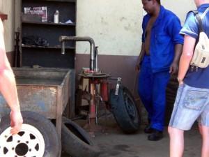 Reifenreparatur in Swasiland