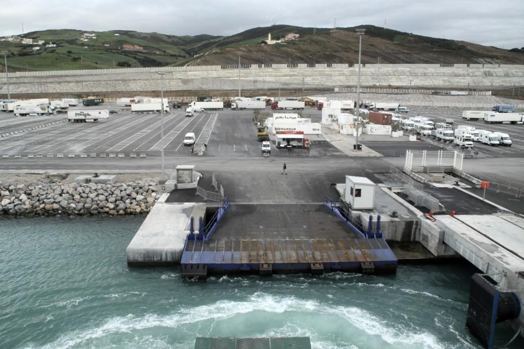 Hallo Afrika! in diesem Fall der neue Fährhafen von Tanger