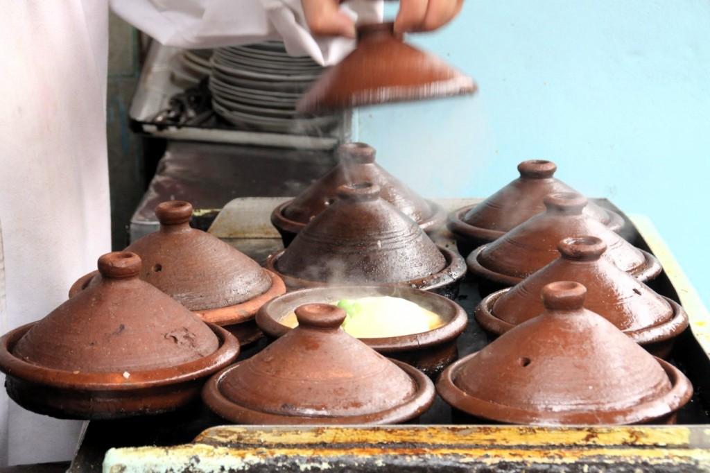 Essen aus der Tajine der Standard in Marokko