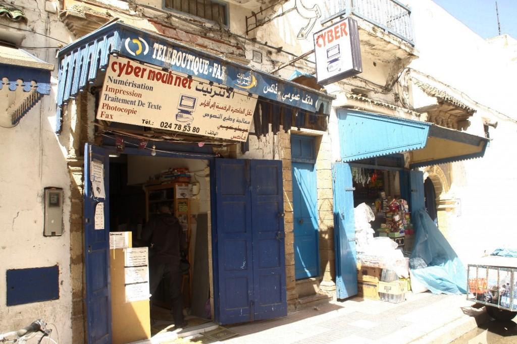 Dresden Dakar Banjul Essaouira - Internet ist in der kleinsten Hütte