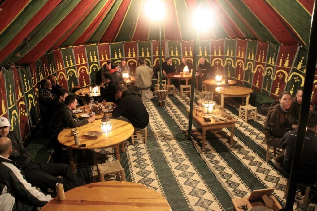 Abendessen im Camp Le Roi Bédouin bei Laayoune
