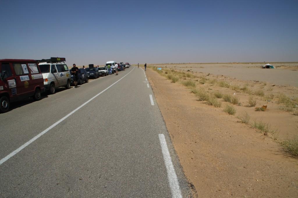 Alle in Linie angetreten, Abfahrt in die Sahara