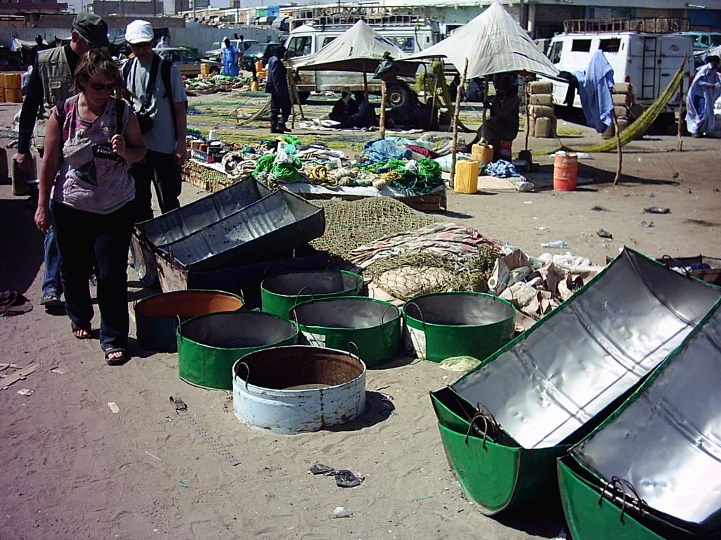 Allerlei nützliches aus alten Fässern in mauretanien nouakchott