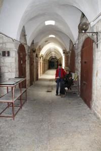 ... in den Basar, der leider geschlossen hat, akko souk closed