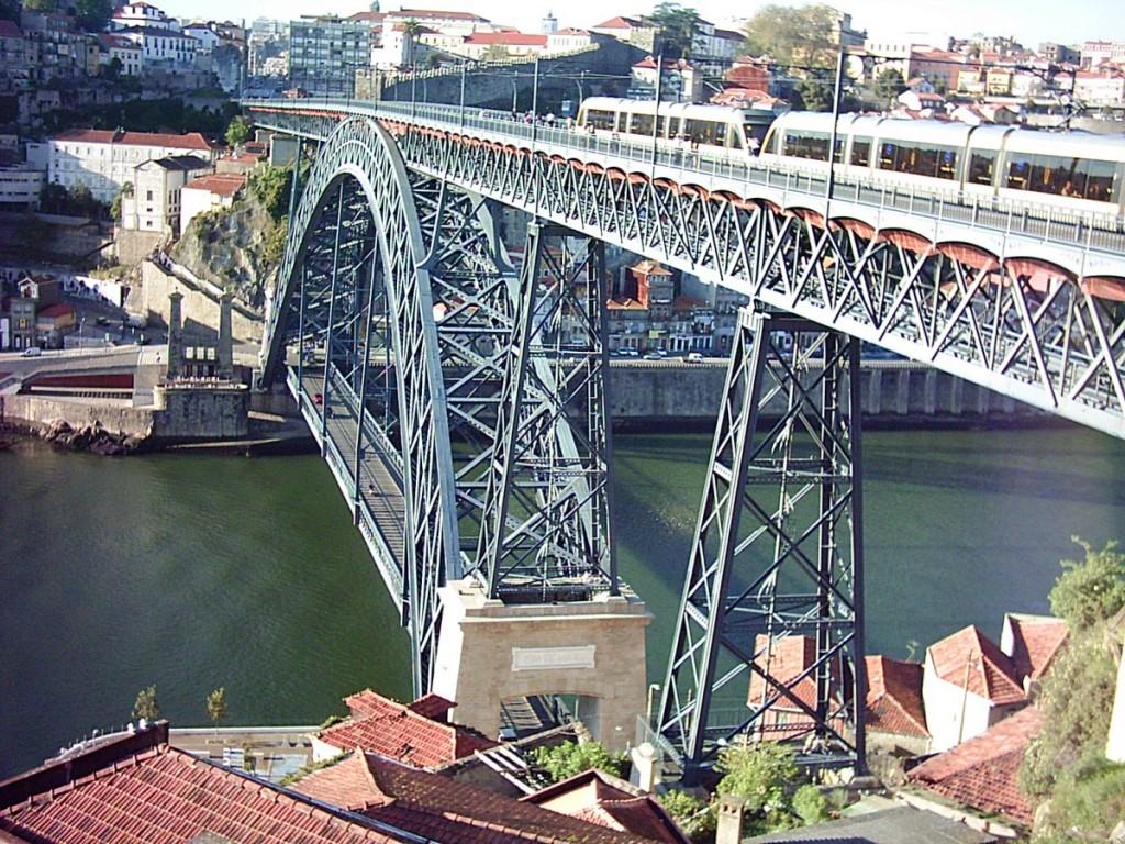 Auch in Porto gibt es eine Eiffel-Brücke