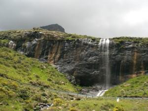 an jeder Ecke ein Wasserfall