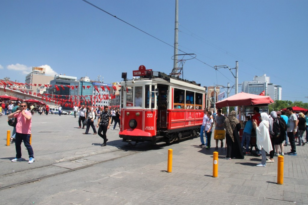Nostaljik Tramvay Taksim-Platz