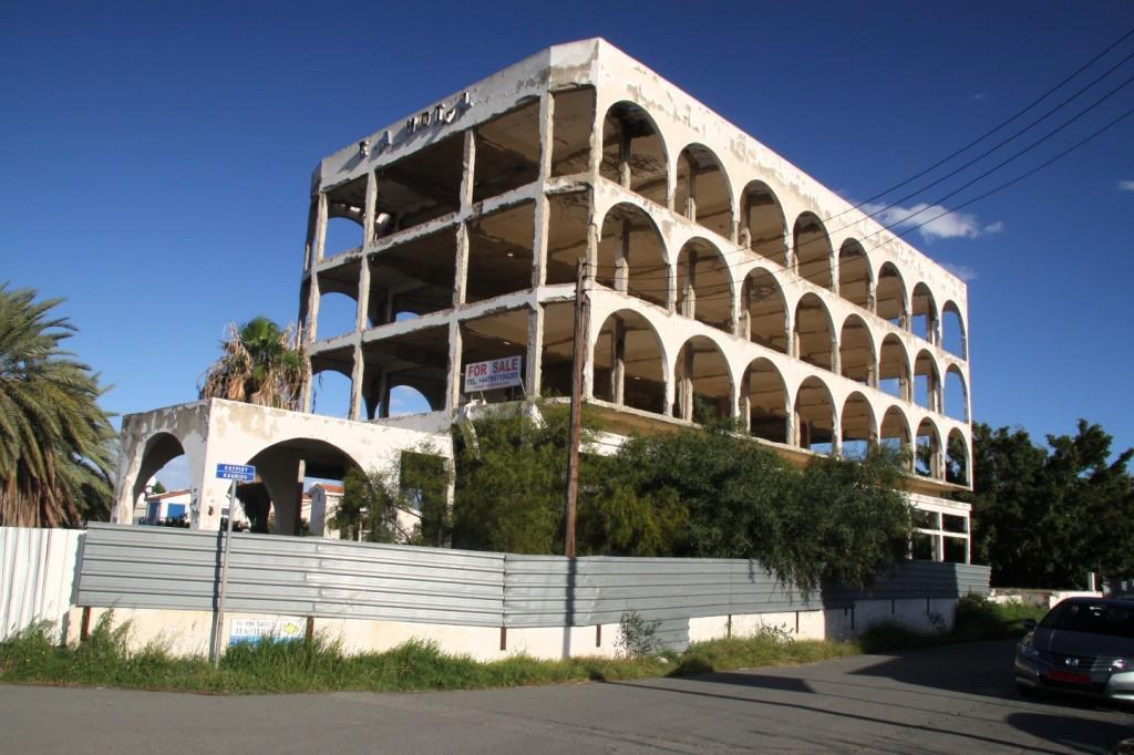 hotel oroklini beach