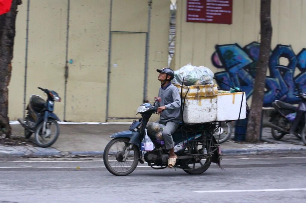 Motorroller Hanoi 2019 Cargo