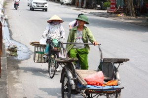 ninh binh street life vietnam